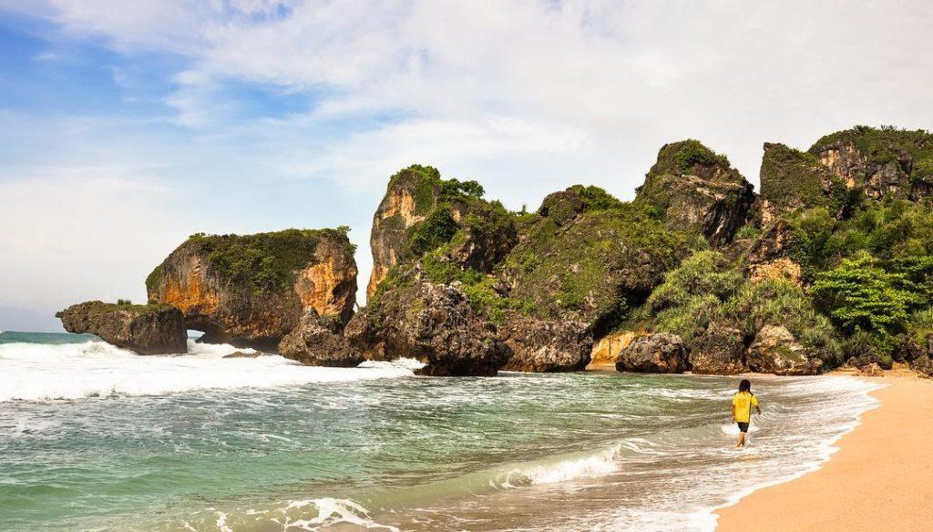 pantai siung cantik