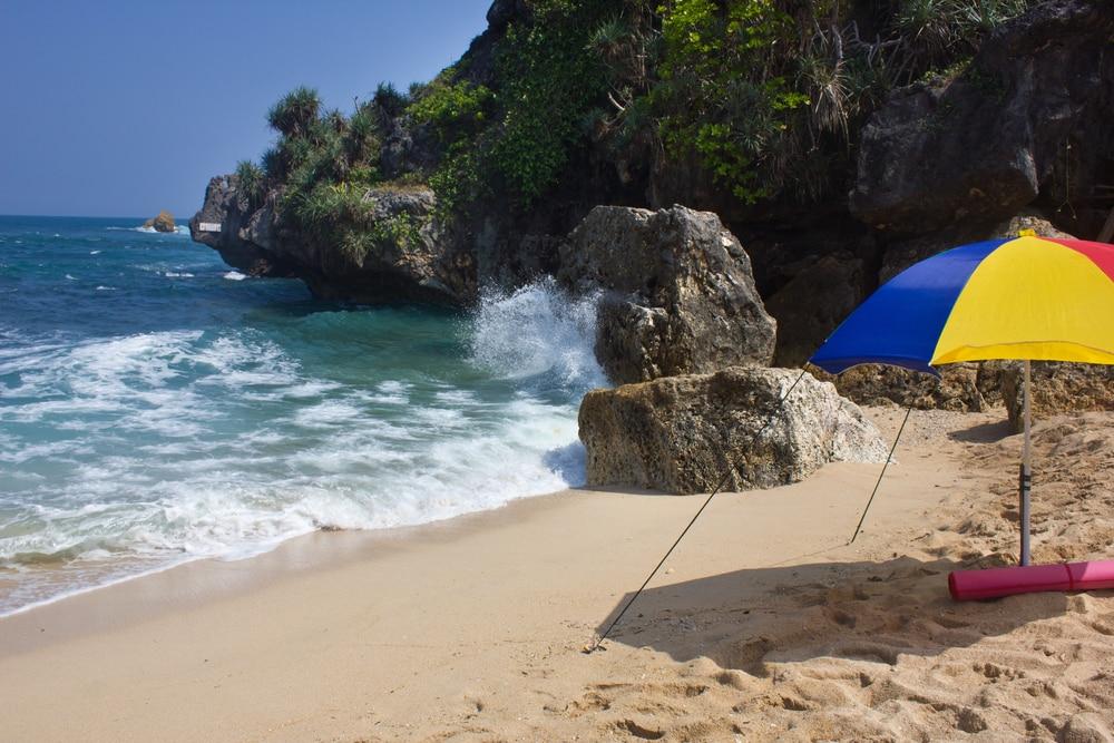 Pantai Sundak (2)