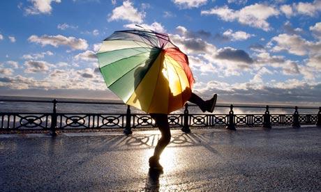 tips tetap sehat saat liburan di musim hujan