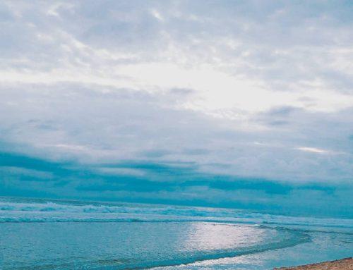 Pesona Pantai Sepanjang