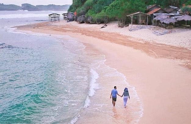 pantai-ngandong (2)