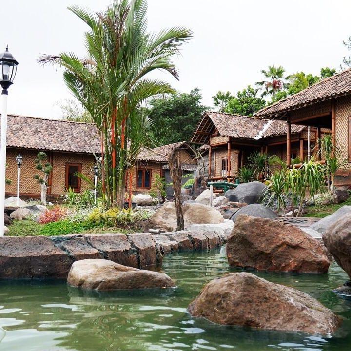 Kolam Rumah Bambu D'Kaliurang Resort